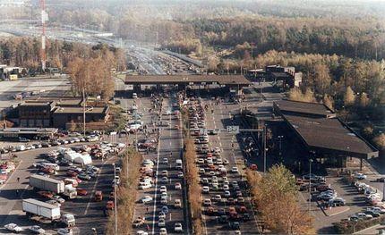 Автомобильный переход Helmstedt-Marienborn был самым большим на границе ФРГ-ГДР